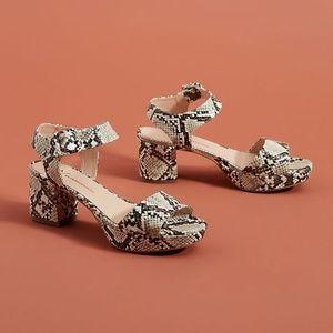 🎉HP🎉Anthro Remy Black/White Snake Platform Heels